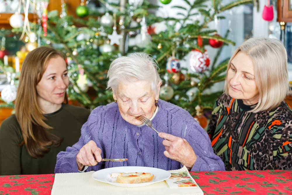 Managing Meals for Elderly Loved Ones