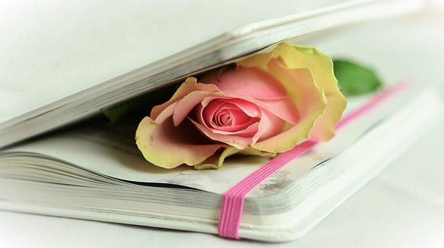 Creating Memory Books for Elderly Loved Ones